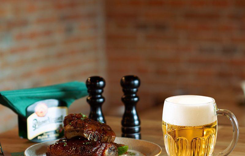 Pilsner Urquell își extinde prezența cu o nouă locație în Sibiu, unde consumatorii pot degusta Pilsner-ul original cehesc